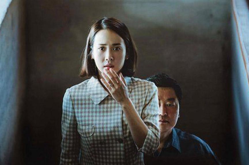 Parasite, Jojo Rabbit win top Writers Guild Awards leading into the Oscars.