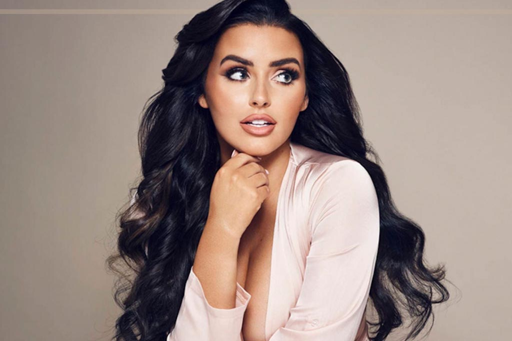 Abigail Ratchford leather suit is an authentic show-stopper.