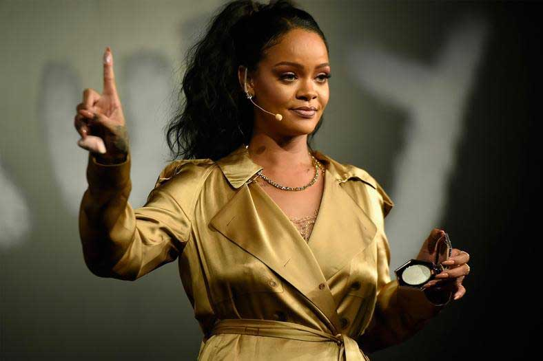 """Rihanna Fenty filed a case against her dad for using the name """"Fenty."""""""