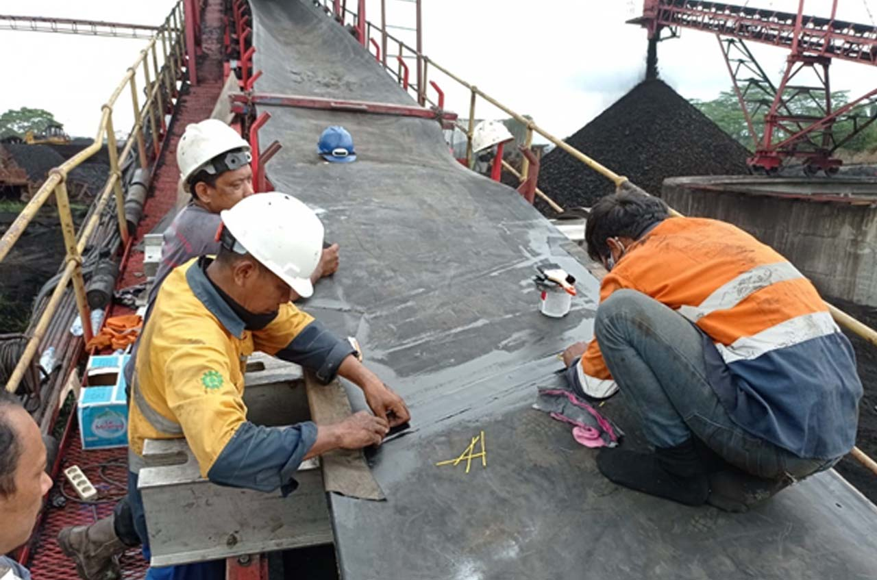 Rexline Engineering Indonesia Completing Belt Splicing Work on a 1.5 KM Conveyor System in Kalimantan.